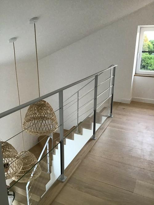 Escalier et parquet sur mezzanine - bois massif