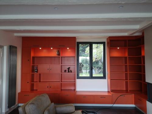 Meuble bibliothèque salon sur-mesure avec éclairages LED