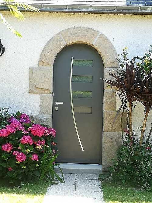 Porte d''entrée aluminium moderne - Art et Fenêtres 0