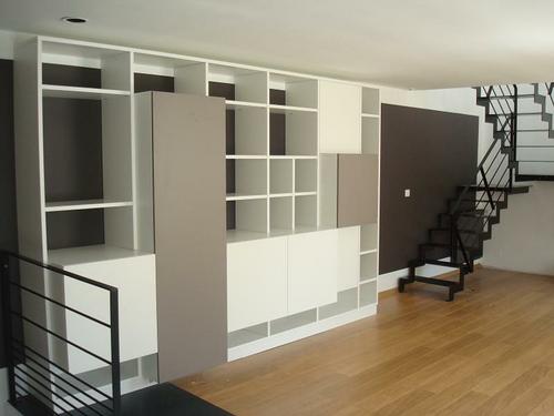 Aménagement placard - étagères mélaminé blanc dans salon