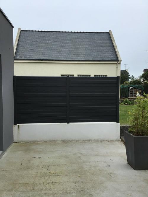 Clôture aluminium - coloris noir moderne