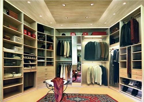 Dressing bois massif clair: étagères, penderies, tiroirs