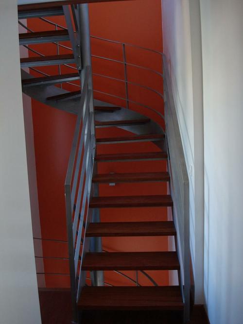 Installation escalier bois et métal