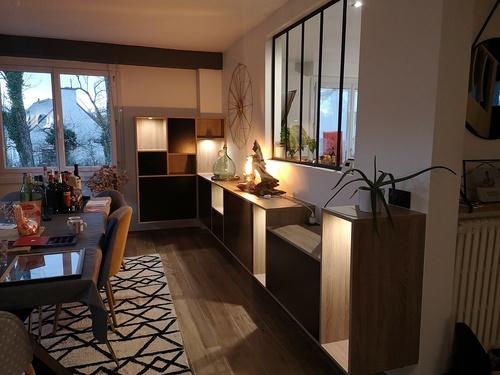 Meuble salle à manger sur-mesure avec éclairages LED