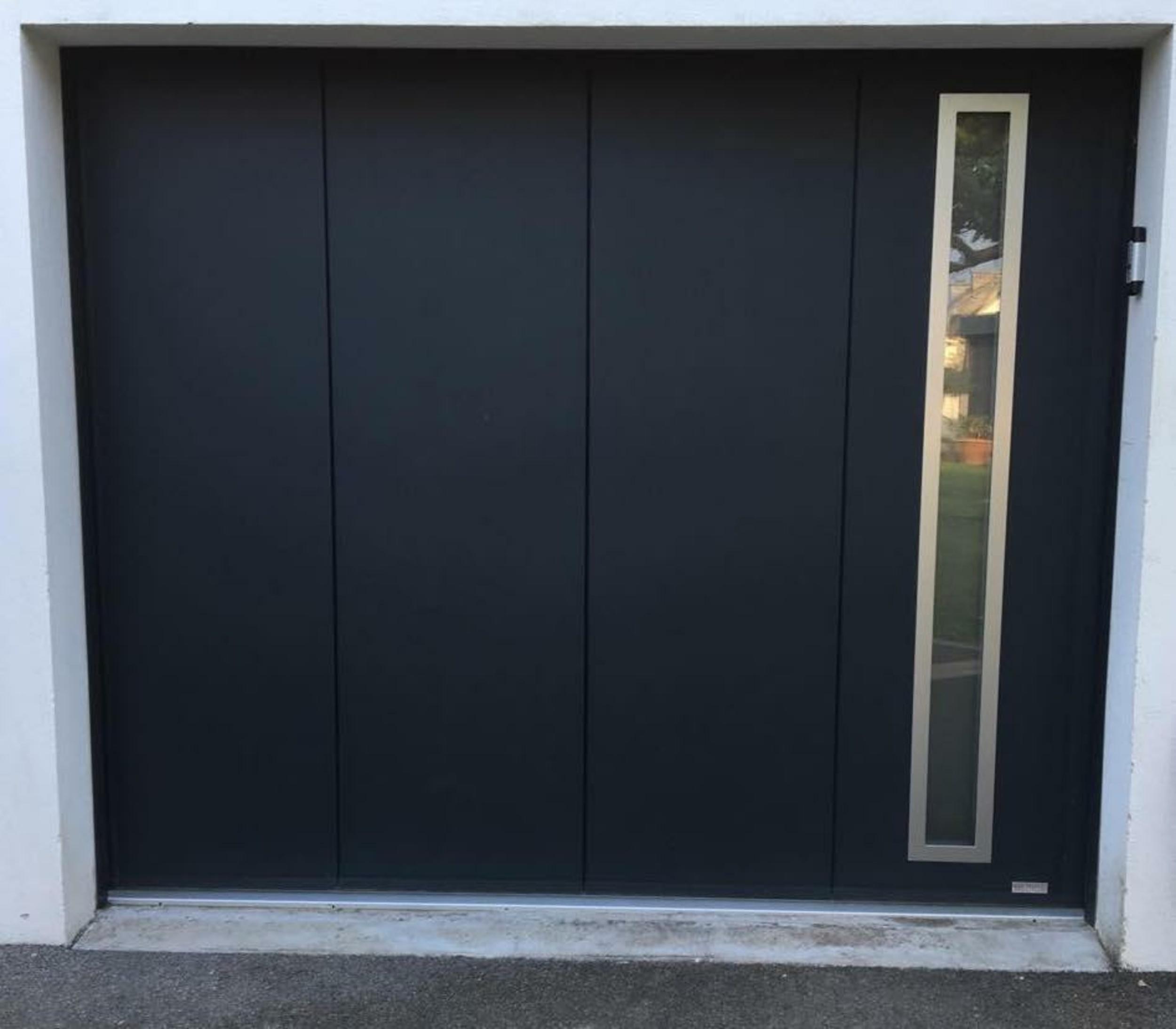 Porte de garage sectionnelle latérale alu