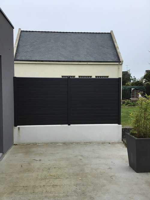 Clôture aluminium - coloris noir moderne 0