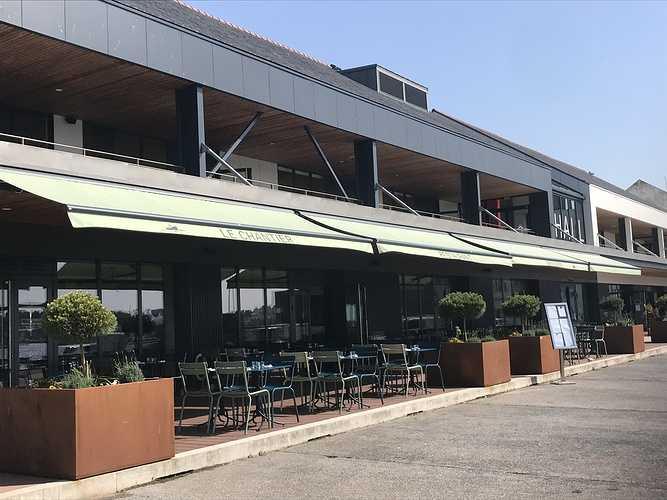 Pose stores banne - restaurant Concarneau 0