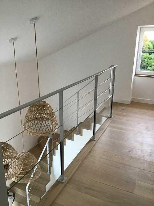 Escalier et parquet sur mezzanine - bois massif 0
