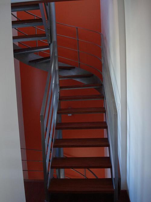 Installation escalier bois et métal 0