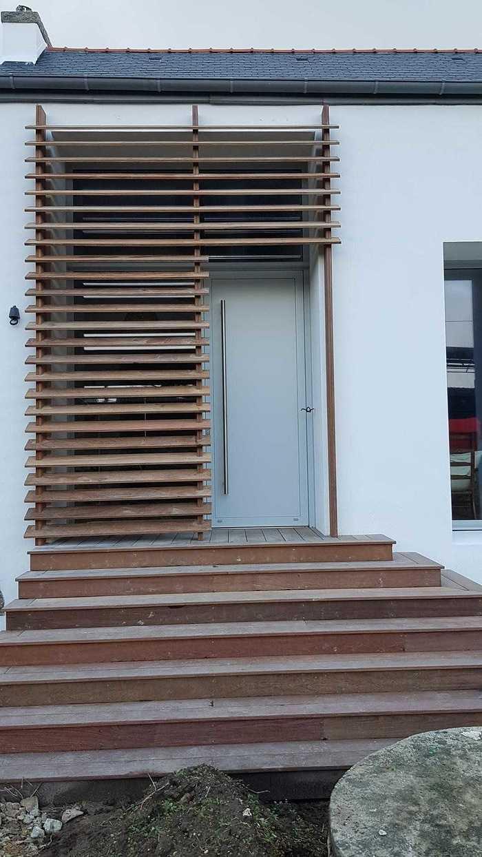 Brise-vue en bois pour une entrée 7