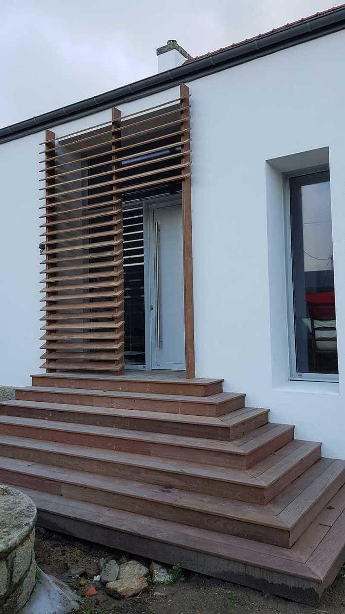 Brise-vue en bois pour une entrée 8
